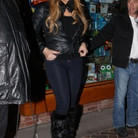 Mariah Carey & Nick Cannon Enjoy Christmas in Aspen